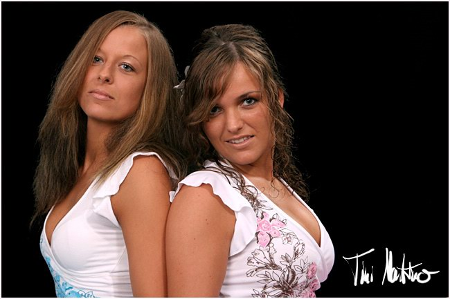Janine & Anika