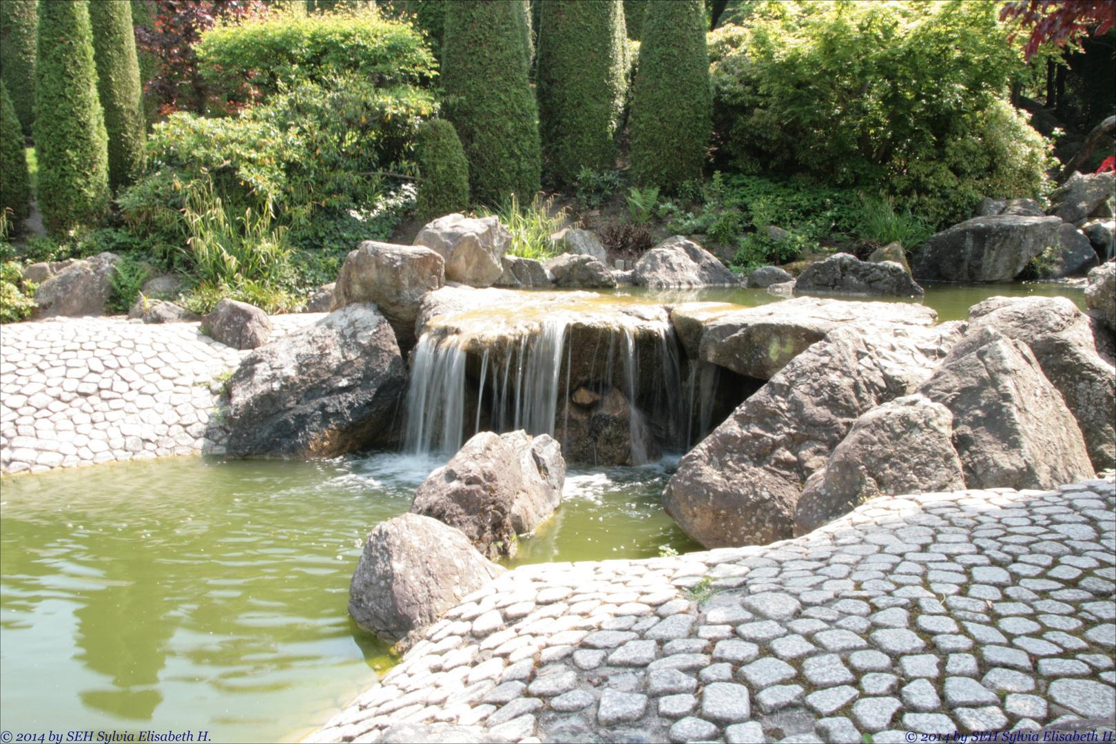 japanischer garten wasserspiele foto bild landschaft garten parklandschaften pflanzen. Black Bedroom Furniture Sets. Home Design Ideas