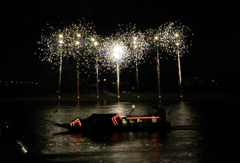 Japanisches Feuerwerk - 6 - am 2. 6. 2007