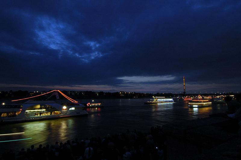 Japanisches Feuerwerk am 2. 6. 2007