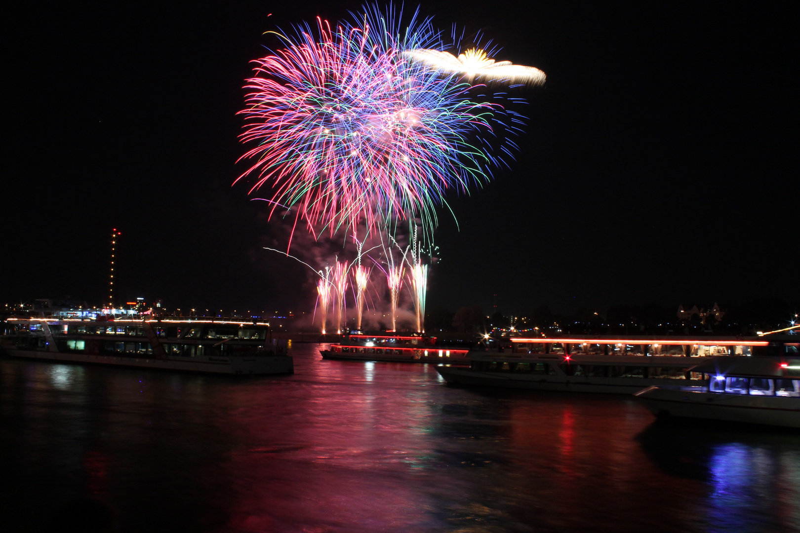 Japanisches Feuerwerk (Japan-Tag Düsseldorf) 17.05.2014