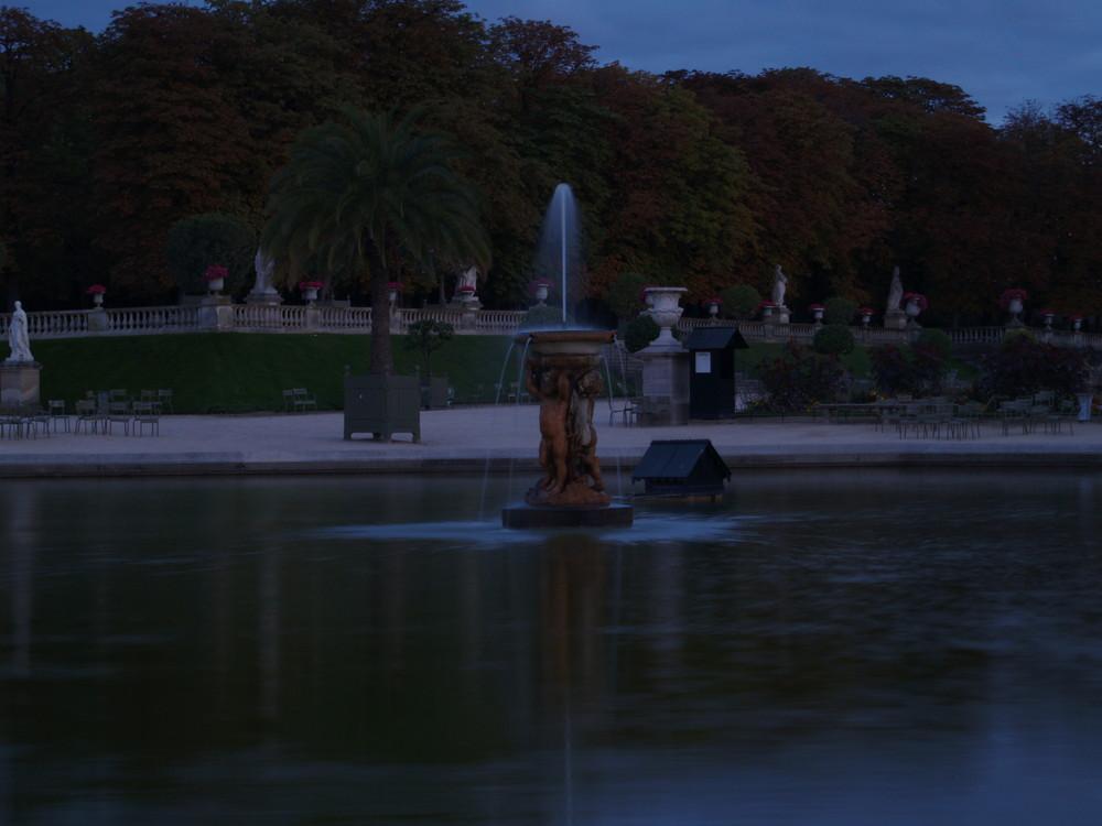 jardin du senat de nuit