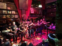 Jazz B2 Bangkok Sax Pub P20-20-col +7Fotos