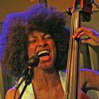 Jazz Esperanza Spalding Stgt GRAMMY Ca-08-01-col Juli08