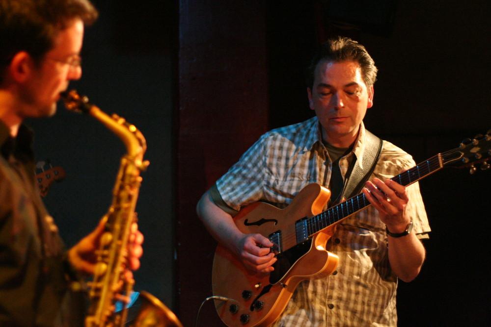 Jazz Stuttgart KISTE - der Gitarrist Michael Nessmann am 4.5.09 TIPP