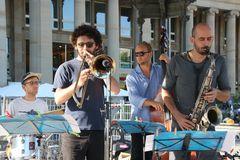 Jazz TIPP HEUTE Stgt Schlossplatz Tonhaufen Ca-19-55col +8Fotos