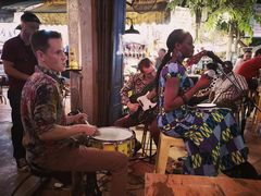 JAZZ Trio Cambodia P20-20-col+SW +9Fotos+Musikstories