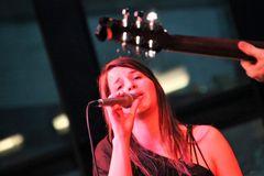 JAZZ VOC Sängerin Ca-21-13-36-col +8voc-Fotos