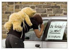 Jemanden einen Bären aufbinden...