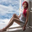 Jenny im Fenster 2