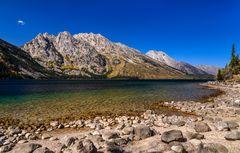 Jenny Lake gegen Rockchuck Peak, Wyoming, USA
