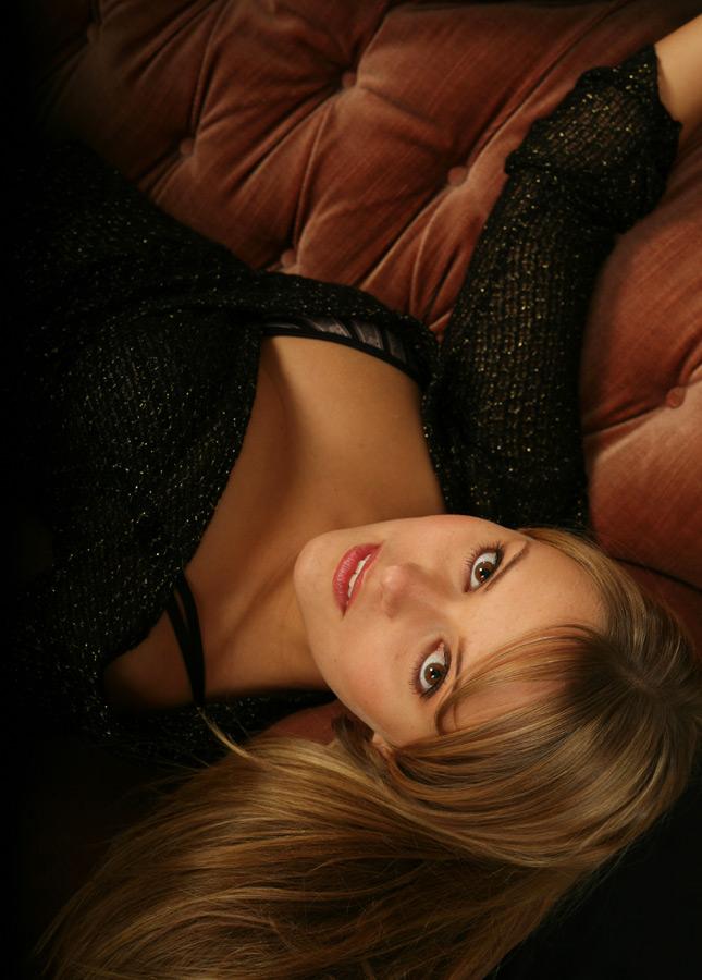 Jessi auf der Couch
