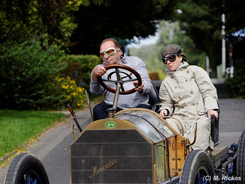 Jochen Maas im Mercedes Simplex