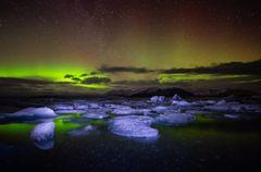 Jökulsarlon Gletschersee mit Nordlicht