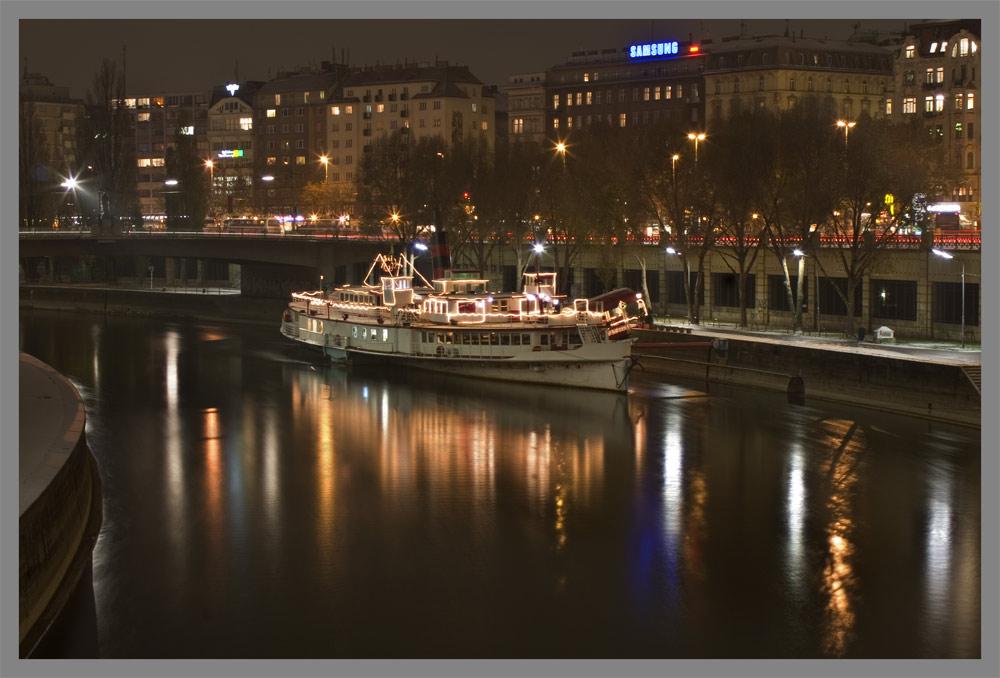 Johann Strauß Schiff am Donaukanal - Reload