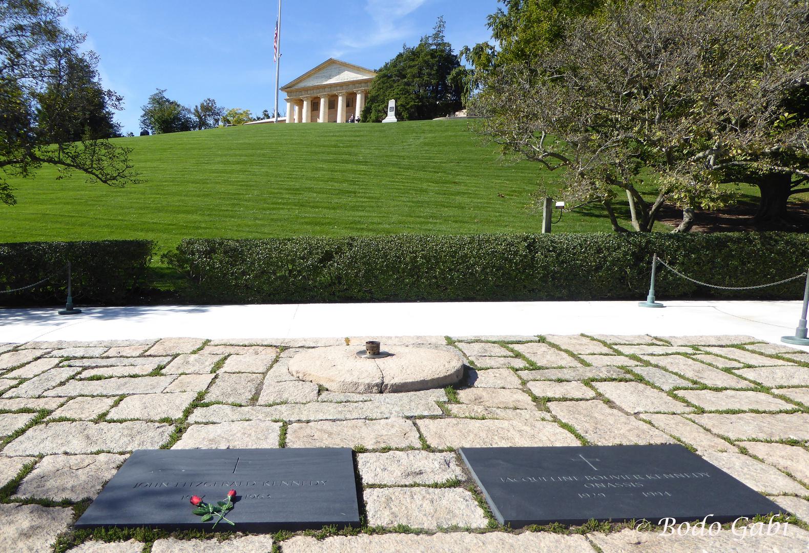 John F Kennedy Und Jacky Kennedy Onassis Rip Foto Bild Grab