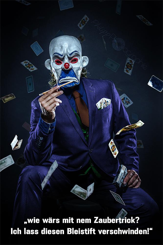 joker and the killer pen foto bild kunstfotografie. Black Bedroom Furniture Sets. Home Design Ideas