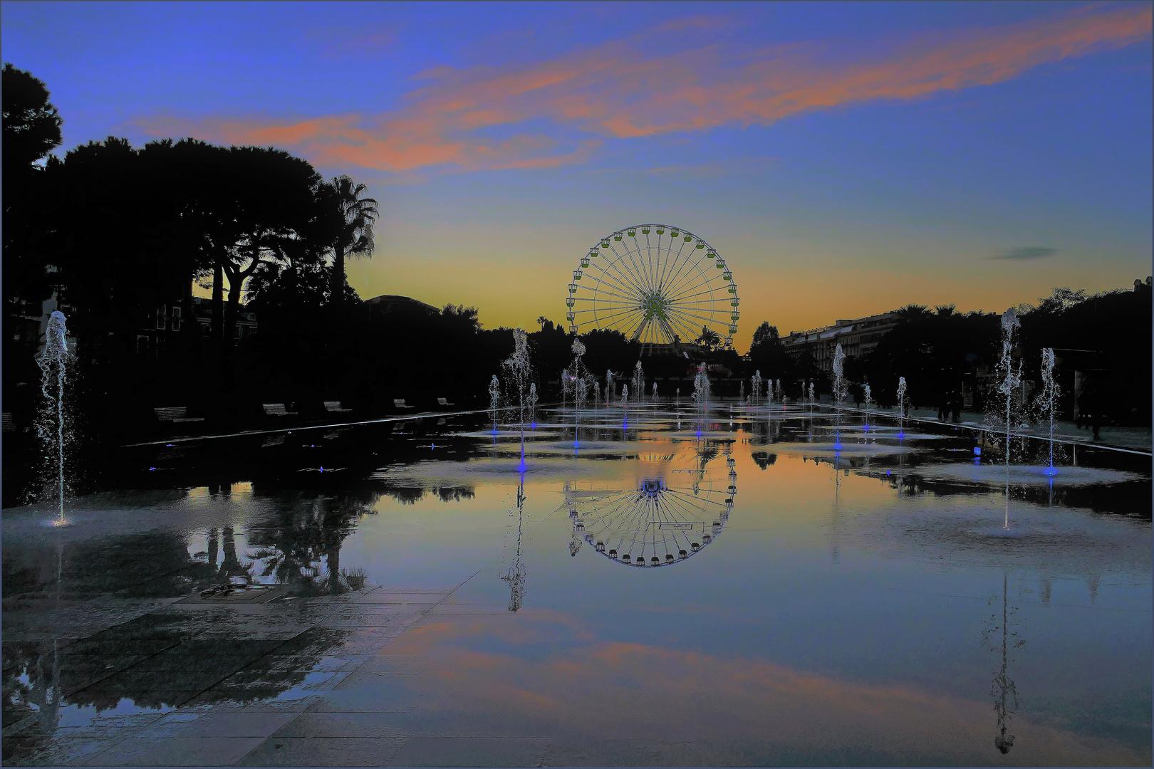 jolie soirée niçoise à l heure bleue naissante ....