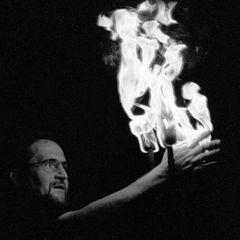 Jongleur mit Feuer