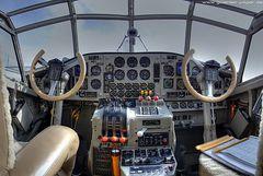 JU-52 der Deutschen Lufthansa - Cockpit