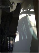 Juego de sombras en el museo