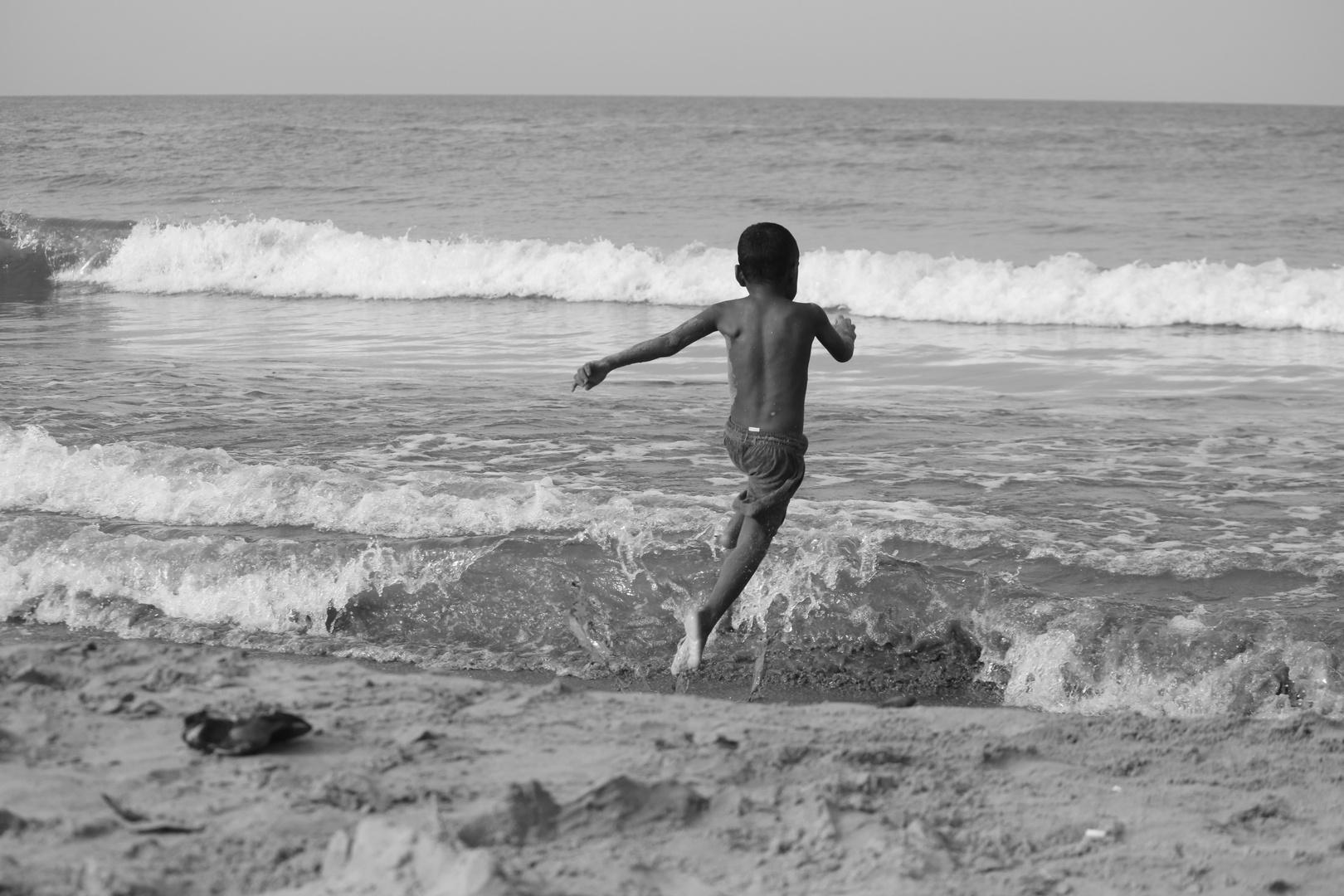 Jugando En La Playa Imagen & Foto