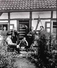 Jugend von Solingen 1924.    .120_2787