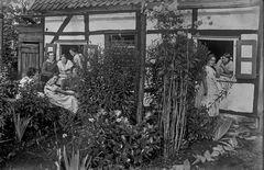 Jugendlich in Solingen im Jahre 1924..  .120_2735