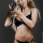 Julia mit Schlange
