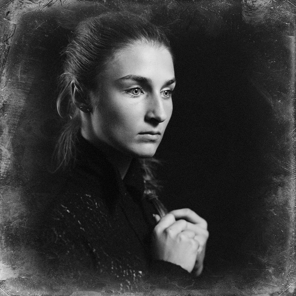 Julie [N.O.I.R.08]