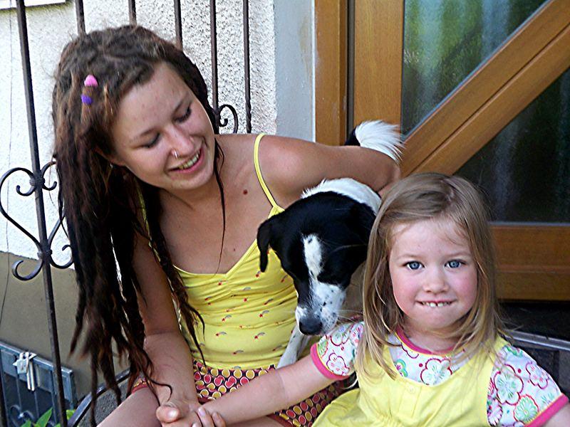 Junge Damen mit Emil 2