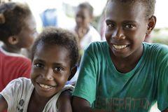 Junge Freunde aus Utopua