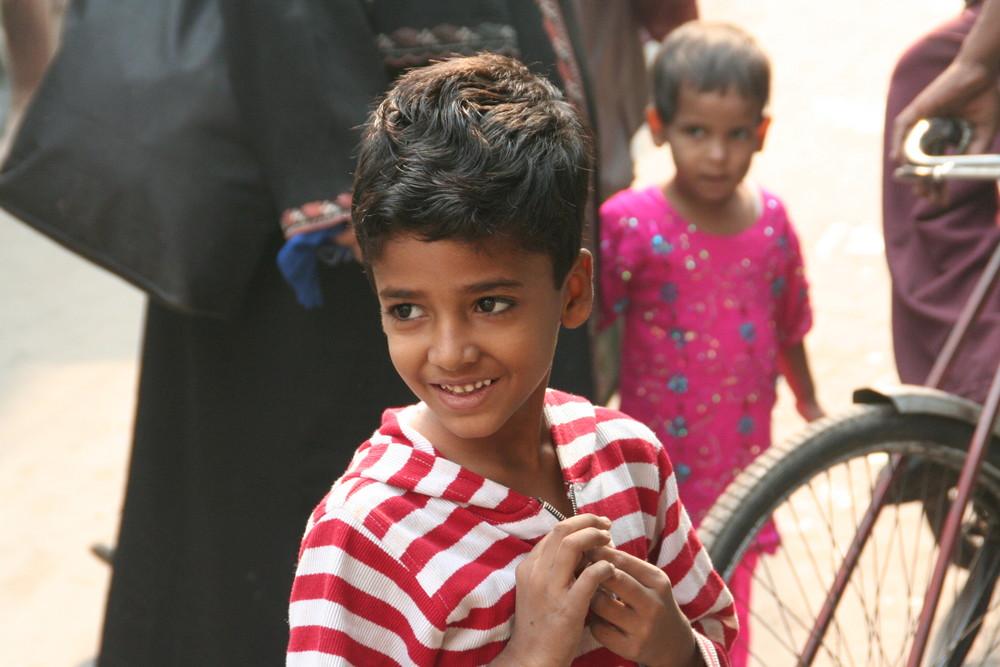 Junge in Dehli Indien in Color +SW