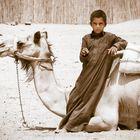 Junge mit Kamel