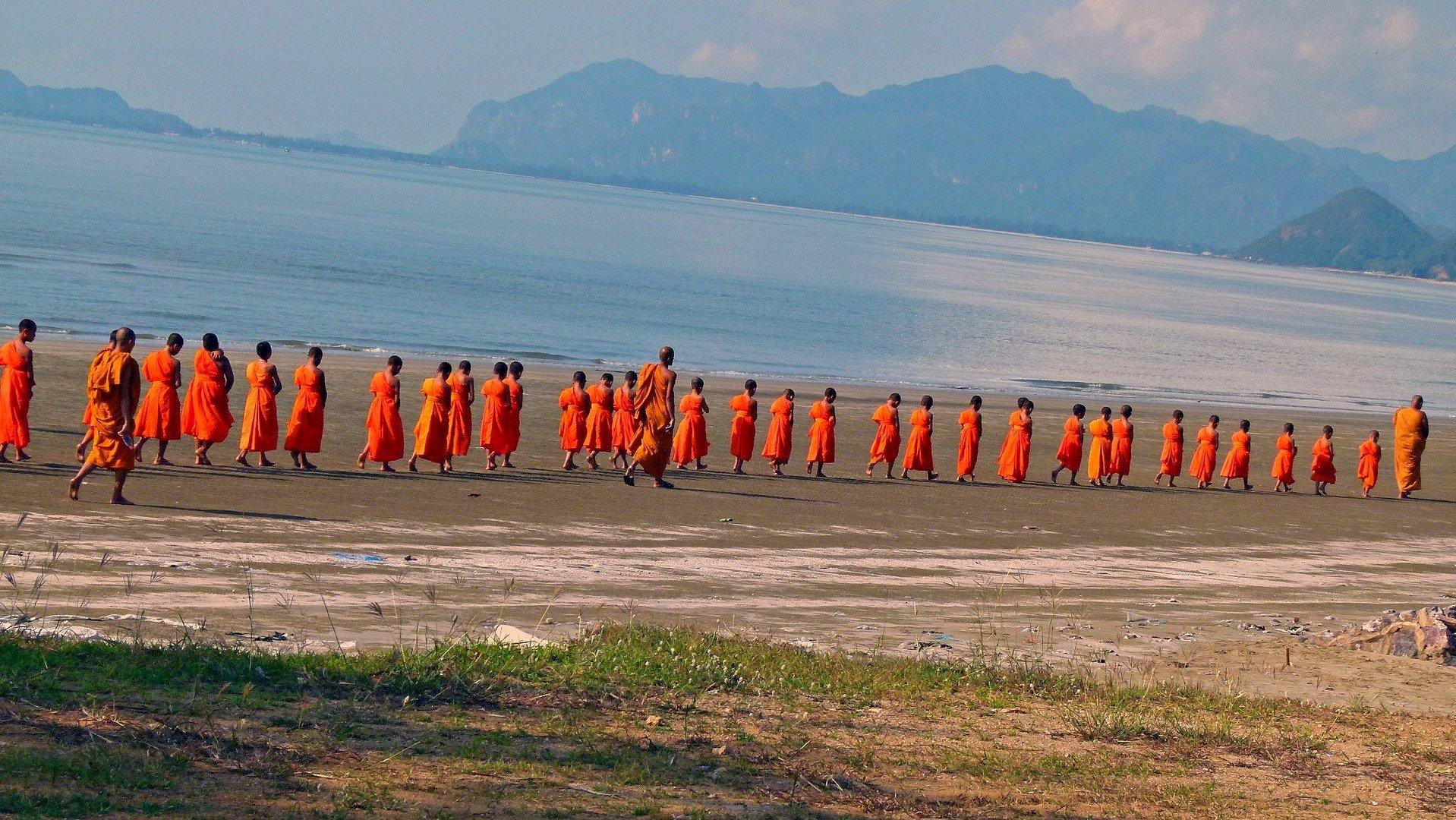Junge Mönche in Thailand