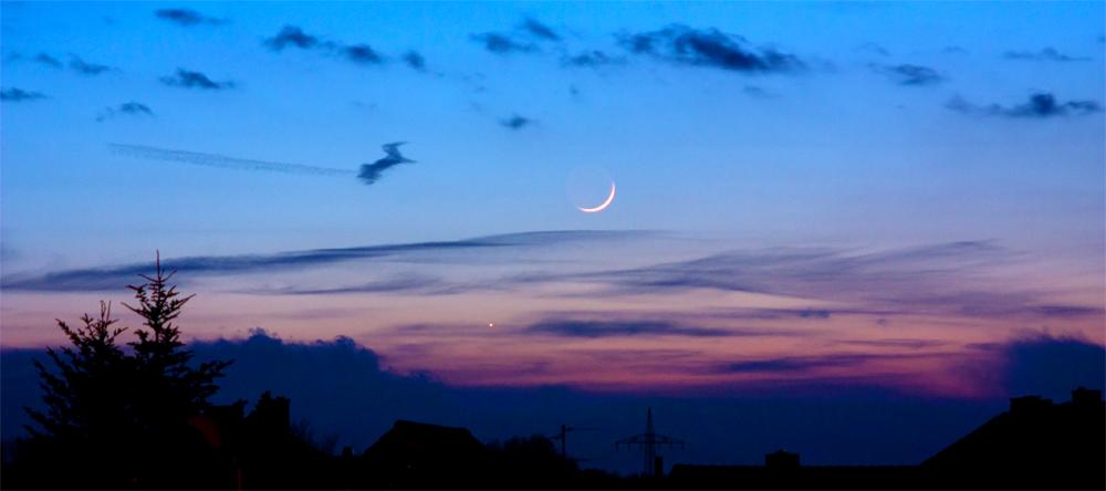 Junger Mond 1 Tag und 12 Std. nach Neumond