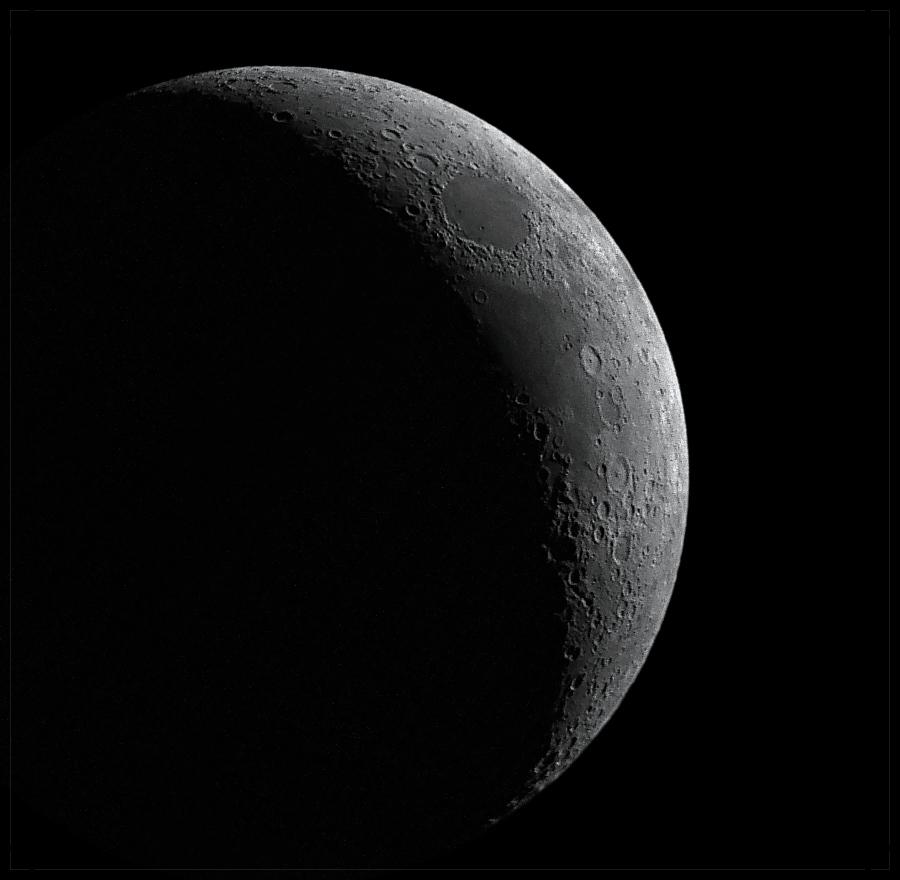Junger Mond