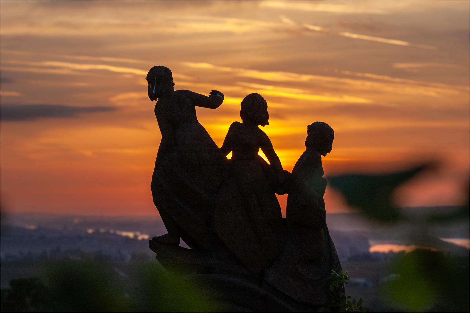 Jungfernstieg im Sonnenaufgang