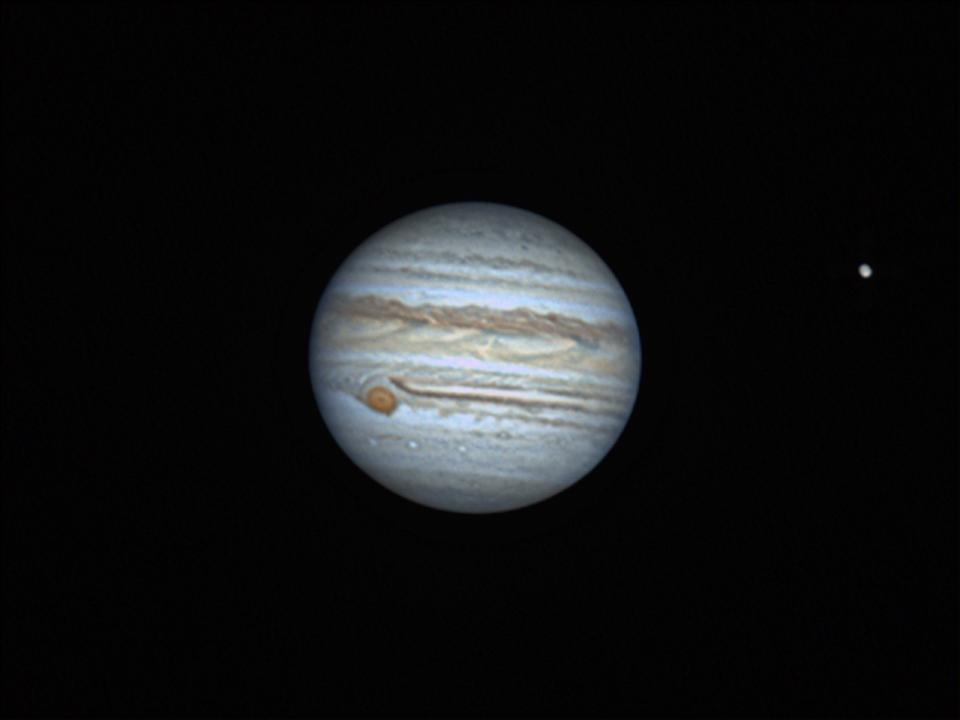 Jupiter mit Io und dem Großen Roten Fleck