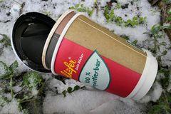 Kaffeebecher: 100 % kompostierbar – dachte anfangs auch der Bäcker Schäfer