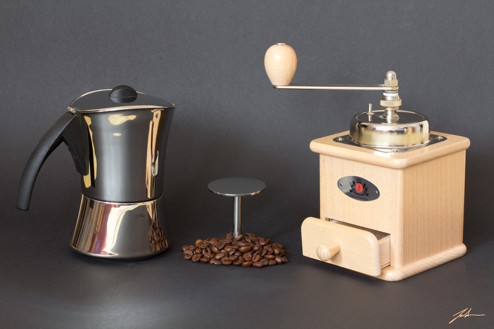 Kaffeemühle und Espressokocher