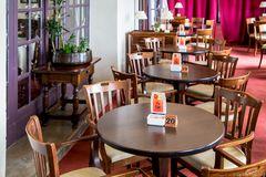 Kaffeetische im Hotel Elafos (Profitis Ilias)