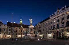 Kaiser Franz II im Innenhof der Hofburg