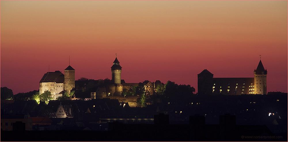 Kaiserburg im Abendrot