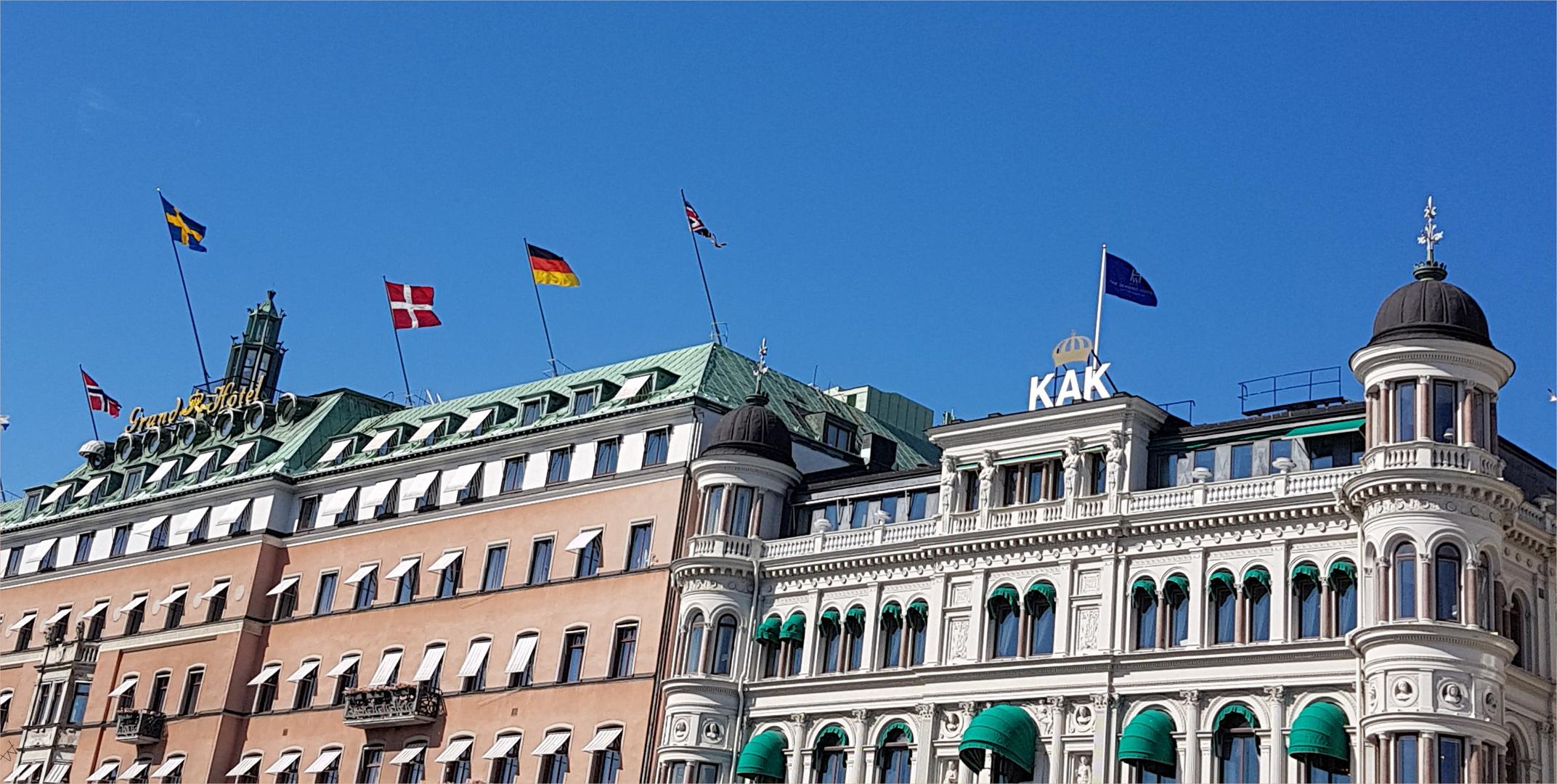 KAK- und Grand Hotel nebeneinander.