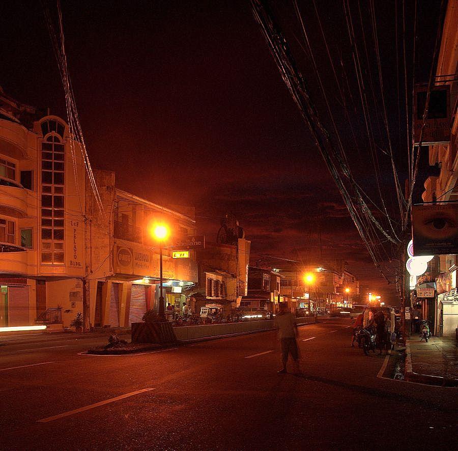""" Kalibo kurz nach Sonnenuntergang 2 "" Panay - Aklan , 2009"