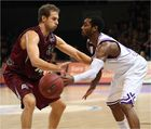 ... Kampf um den Ball - Basketball Bundesliga 2011/12