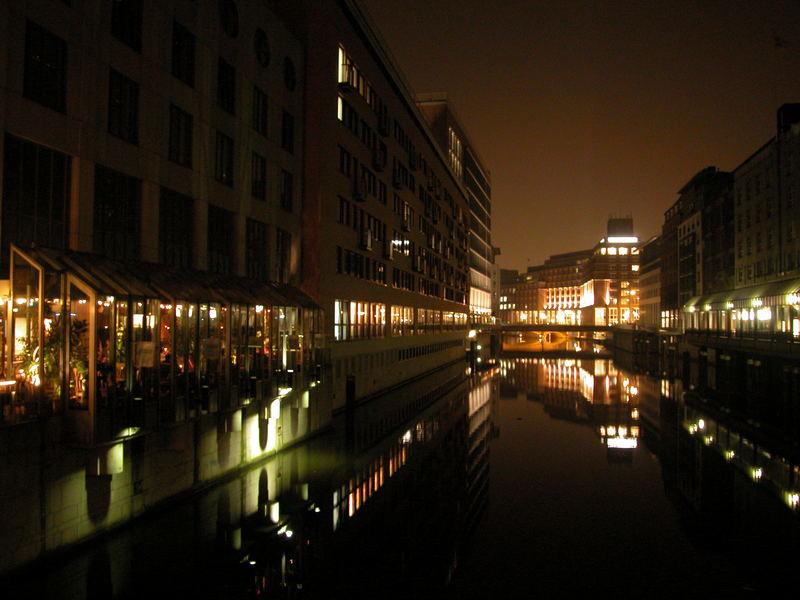 Kanal bei Nacht; Hamburg, Neuer Wall