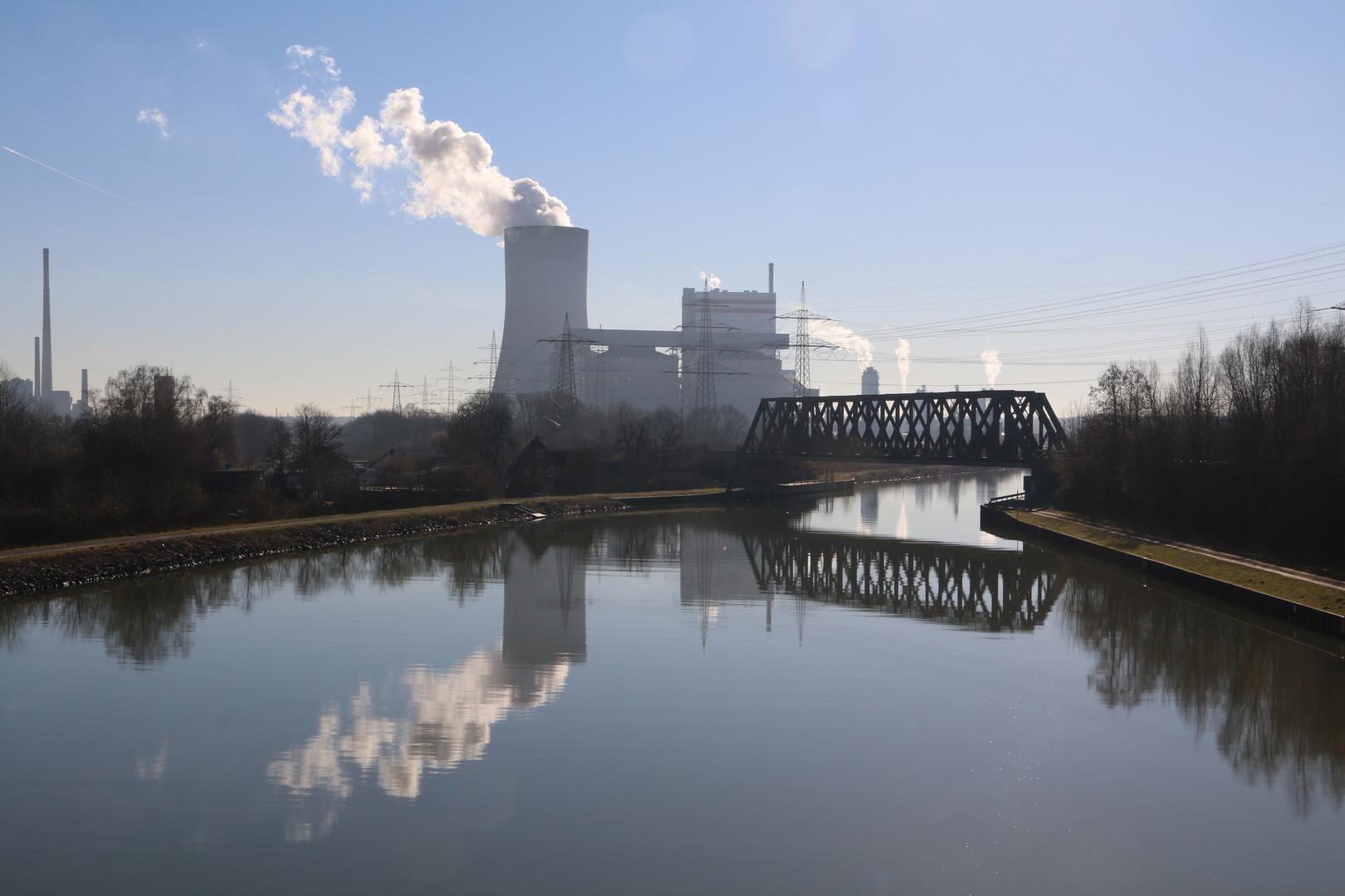 Kanal und Kraftwerke