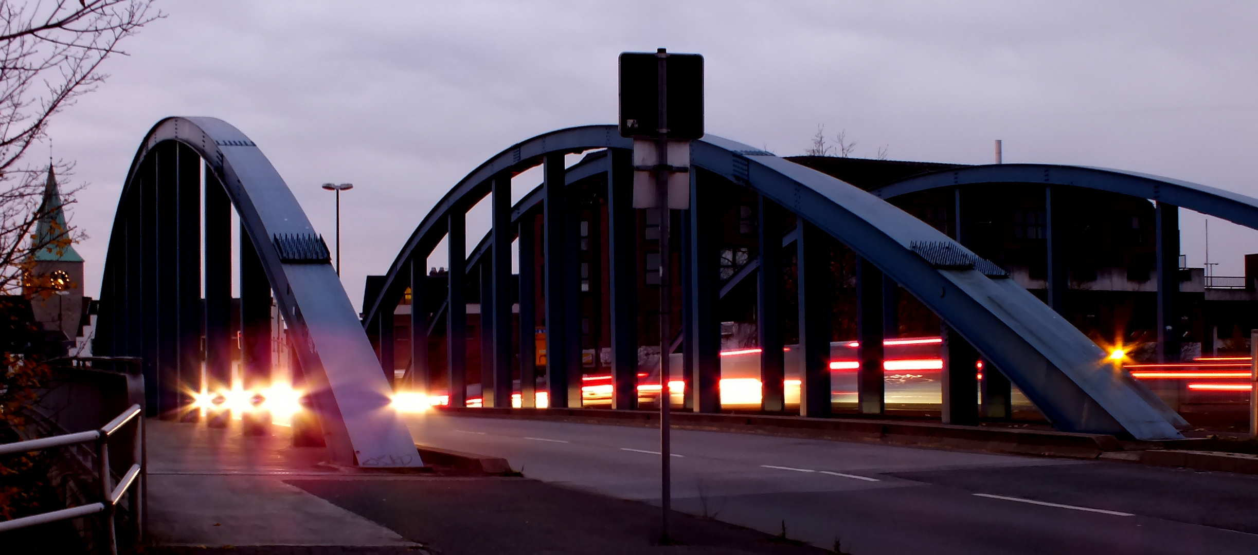 Kanalbrücke in der Früh